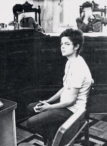 Dima-sendo-interrogada-1970